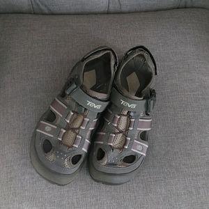Teva  omnium sandals size 7.5